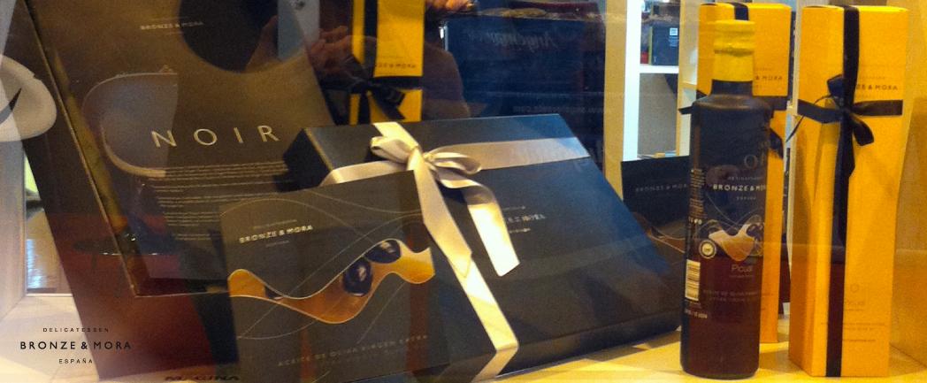 aoves-Bronze-&-Mora-en-el-salón-Gourmets-2014--Picual-stand-DOP-Sierra-Mágina