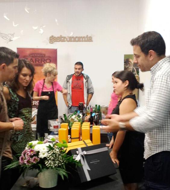 aceites-de-oliva-virgen-extra-Bronze-&-Mora-en-Malasaña-Market---nuevo-mercado-Barceló-aove-para-regalar-a-proveedores-clientes-o-colaboradores-delicatessen-bronzeymora-foodies