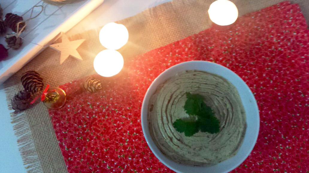 1. pate-de-queso-philadelphia-y-boletus-con-aove-picual-aceite-de-oliva-virgen-extra-Bronze-&-Mora--ideal-para-regalar--regalos-de-navidady-reyes-original-único-y-exclusivo-gastrobox