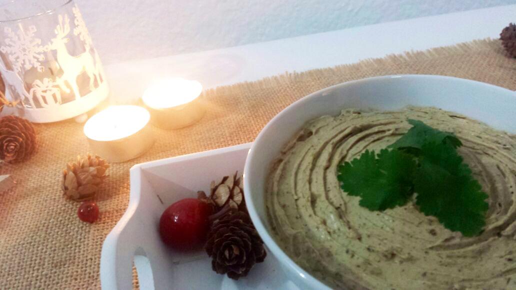 3. pate-de-queso-y-boletus-con-aove---aceite-de-oliva-virgen-extra-Bronze-&-Mora--ideal-para-regalar--regalos-de-navidady-reyes-original-diferente-único-y-exclusivo-gastrobox