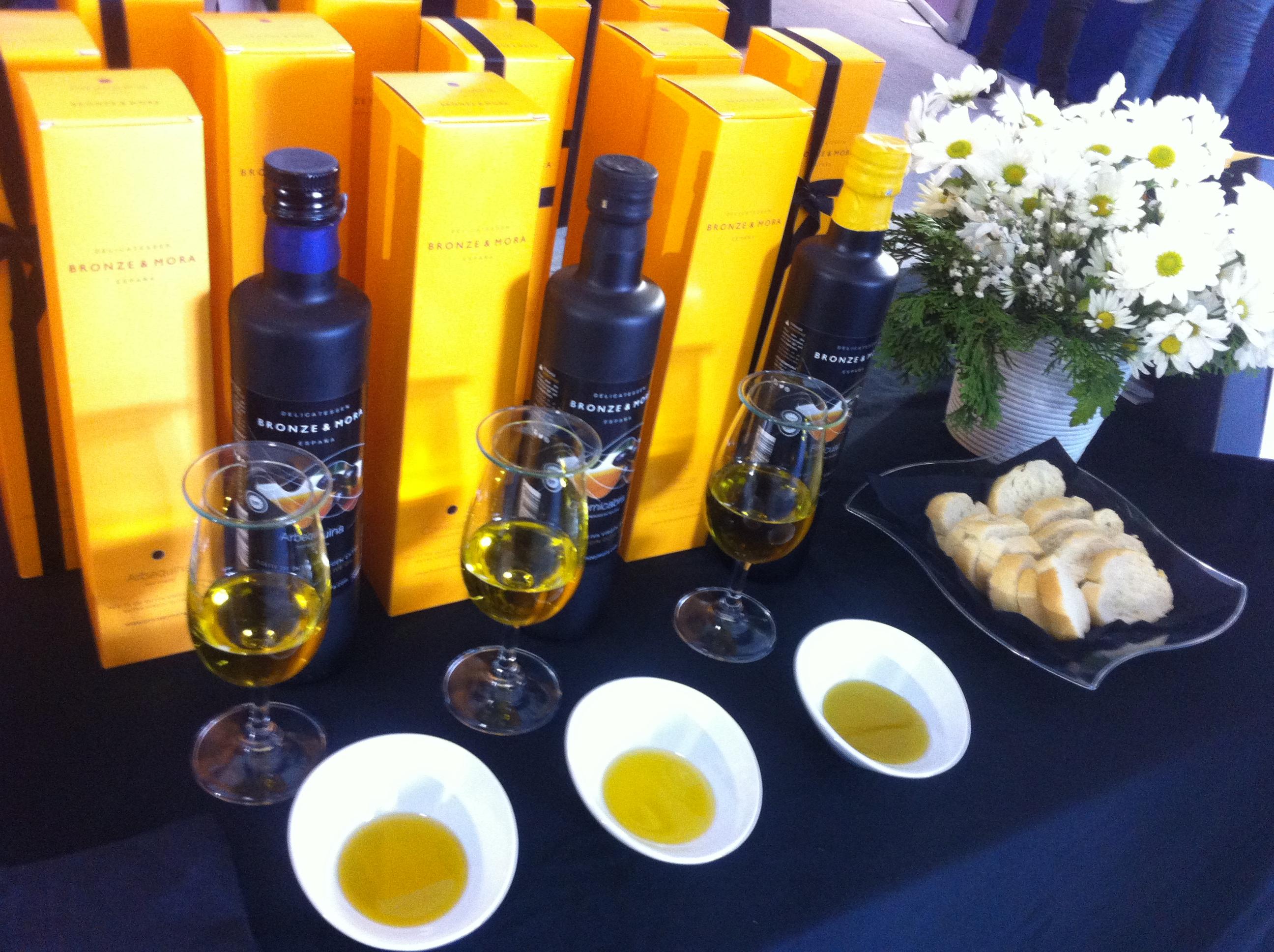 AOVESOL-2015-Bronze-&-Mora-los-mejores-aceites-de-oliva-virgen-extra-con-denominación-de-origen-protegida-aove-ideal-para-regalar-delicatessen-gourmet-aovelovers