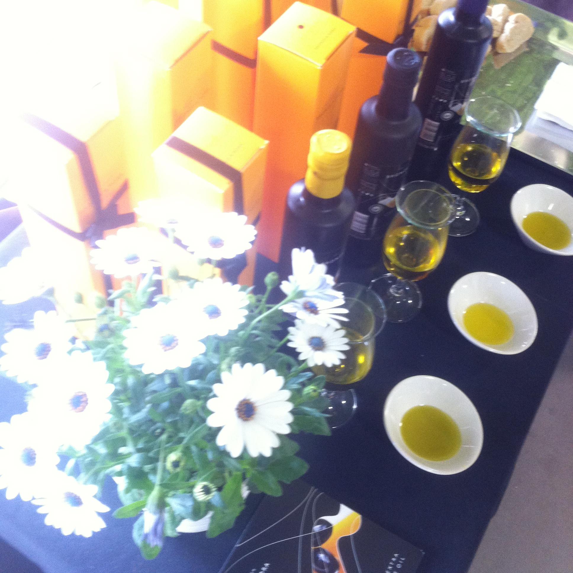 aceite-de-oliva-virgen-extra-bronze-&-Mora-en-Nomada-Market-el-mejor-y-exclusivo-aove-para-regalar-un-regalo-unico-y-original