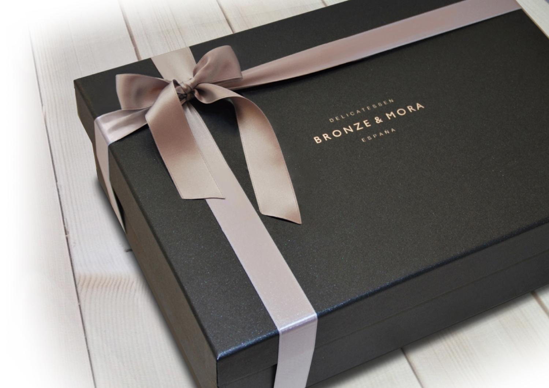 estuche-noir-bronze-&-mora-selección-de-los-mejores-aoves-de-españa-aceite-de-oliva-virgen-extra-para-regalar-regalonavidad-regaloempresa-cumpleaños-amigos-familiares