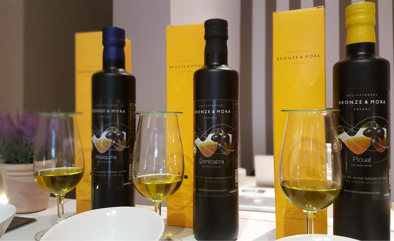 la-importancia-de-la-frescura-del-AOVE-BRONZE-Y-MORA---Aceite-de-oliva-virgen-extra-para-regalar-y-disfrutar--exclusivos-estuches-de-maridaje-la-grasa-mas-saludable
