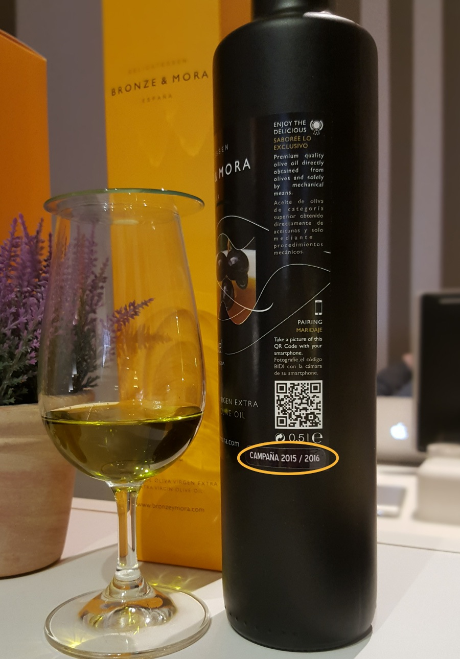 la-importancia-de-la-frescura-del-AOVE-BRONZE-Y-MORA---Aceite-de-oliva-virgen-extra-para-regalar-y-disfrutar---exclusivos-estuches-de-maridaje