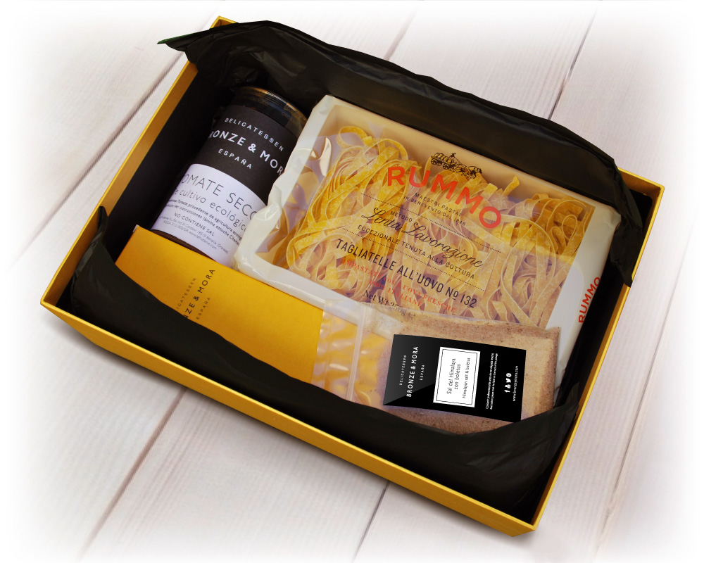 estuche-chamois-aceite-de-oliva-virgen-extra-para-regalar-regalo-gourmet-empresa