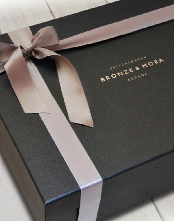 estuche-regalo-noir-bronze-mora-aceite-de-oliva-para-regalar-regalo-gourmet-empresa-cesta-navidad-2