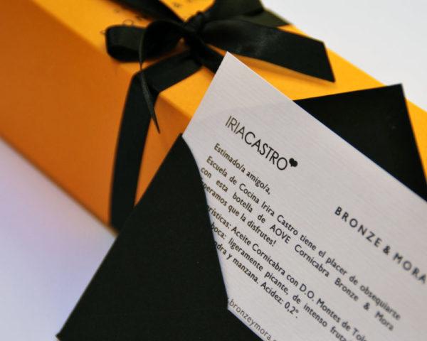 personalizacion-botellas-mensaje-dedicatoria-bronze-y-mora-calle-libreros-5-madrid-regalo-empresa-regalo-naviad-regalo-cumpleanos-aceite-para-regalar