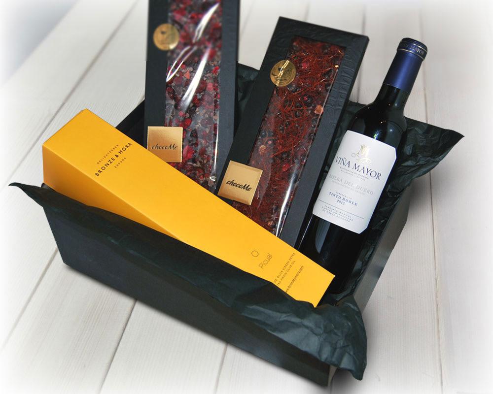 regalar-vino-y-chocolate-aceite-de-oliva-virgen-extra-para-regalar-regalo-gourmet-empresa