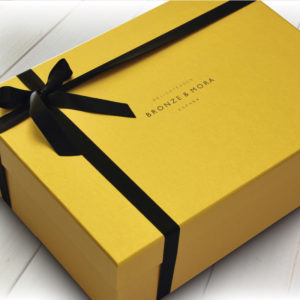 estuche-bronze-mora-regalo-gourmet-aceite-para-regalar-cesta-navidad-regalo-empresa