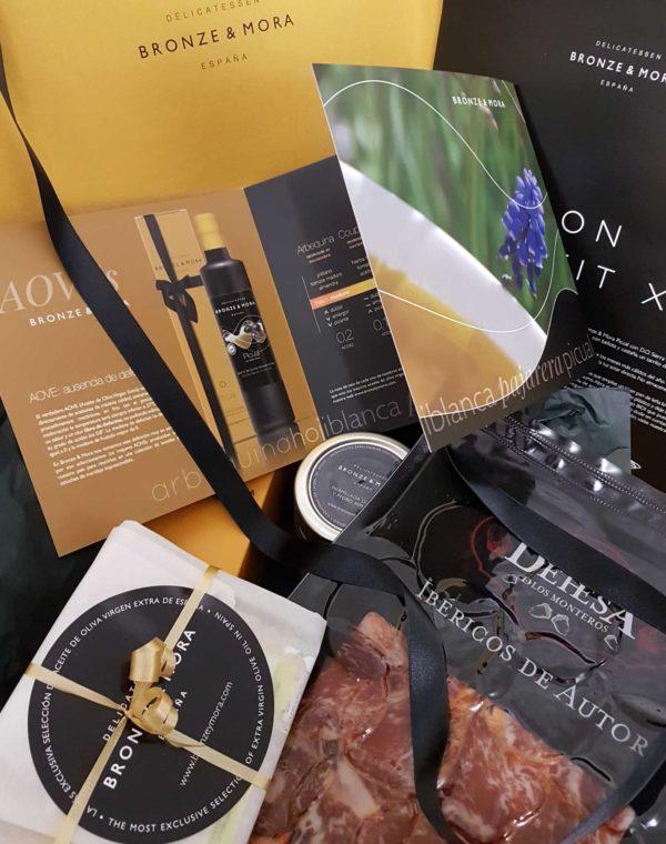 Cesta regalo gourmet Bon Appétit XL - el regalo con lomo ibérico, queso manchego, aceite de oliva y mermelada
