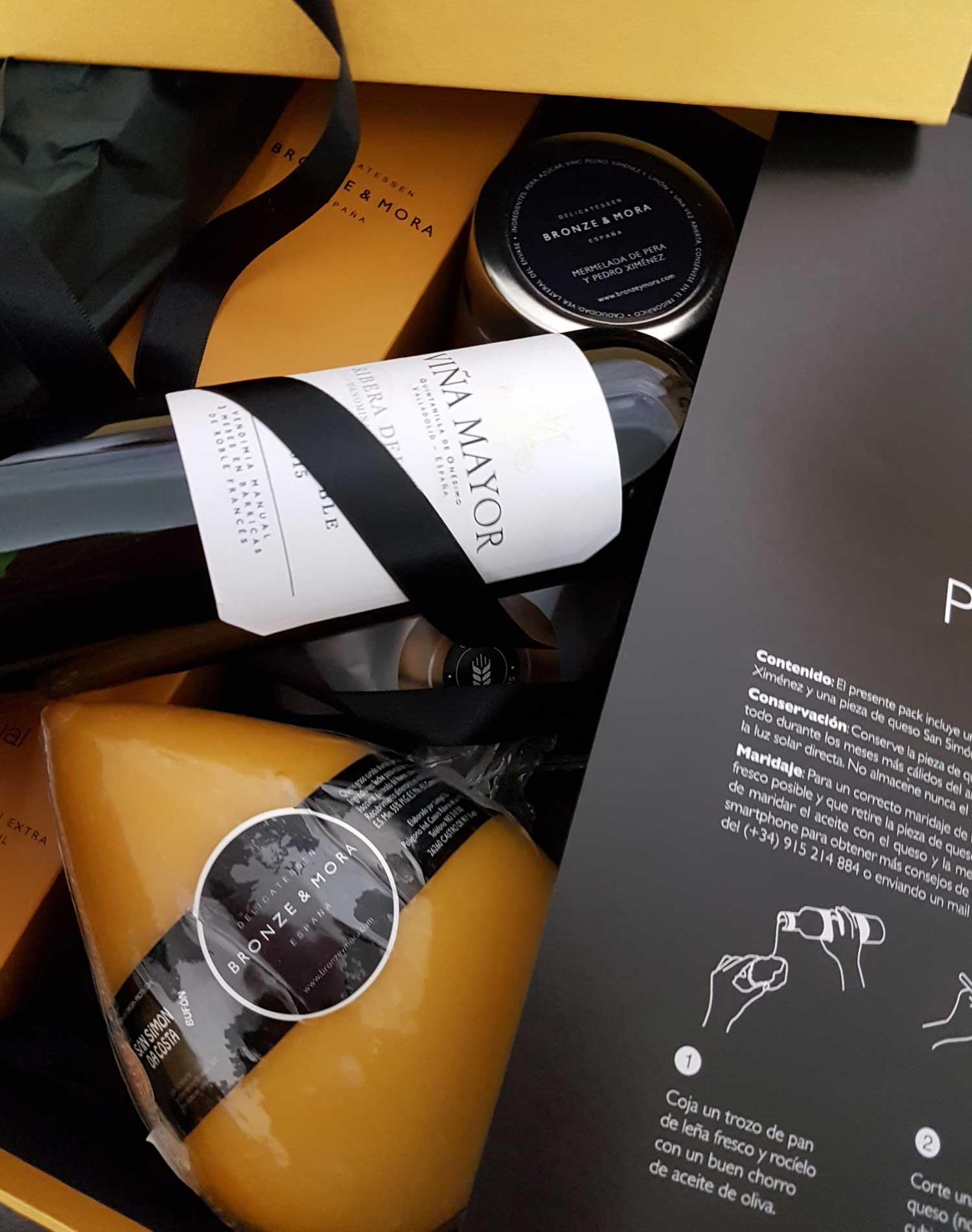 Cesta regalo gourmet Fumé Poire 2018 Bronze y Mora